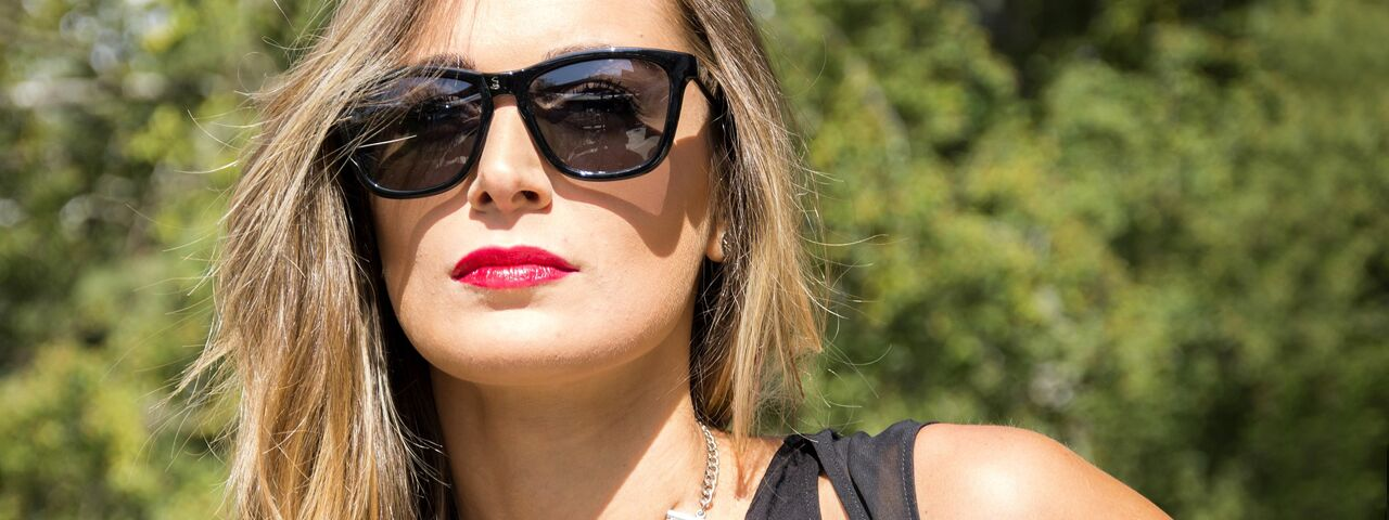 Woman20Sunglasses20Green20Trees201280x480_preview1.jpeg