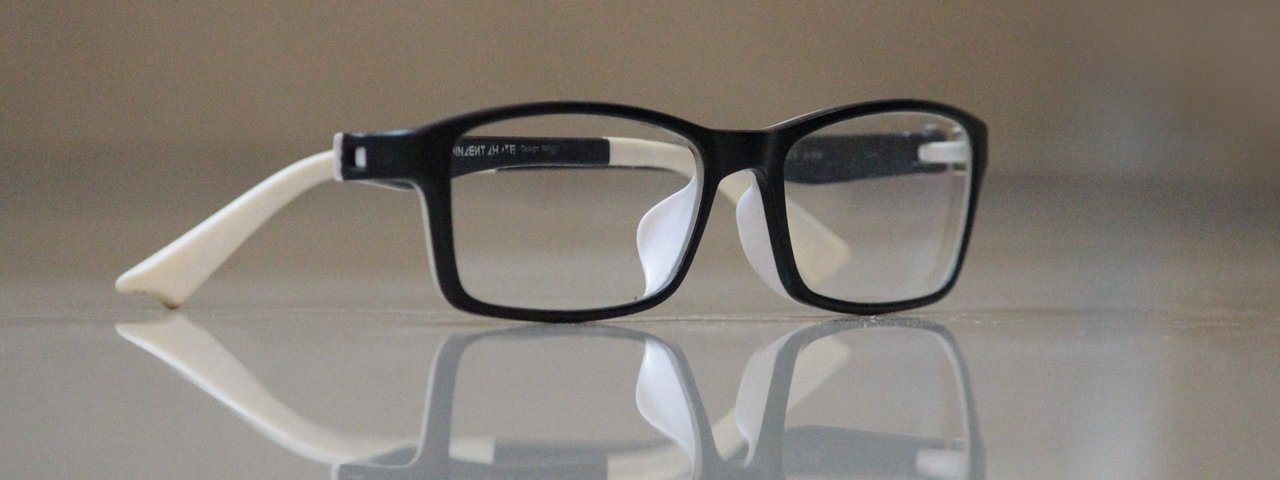 Glasses and Reflection 1280x480