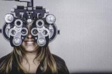 girl eye exam bkground sm