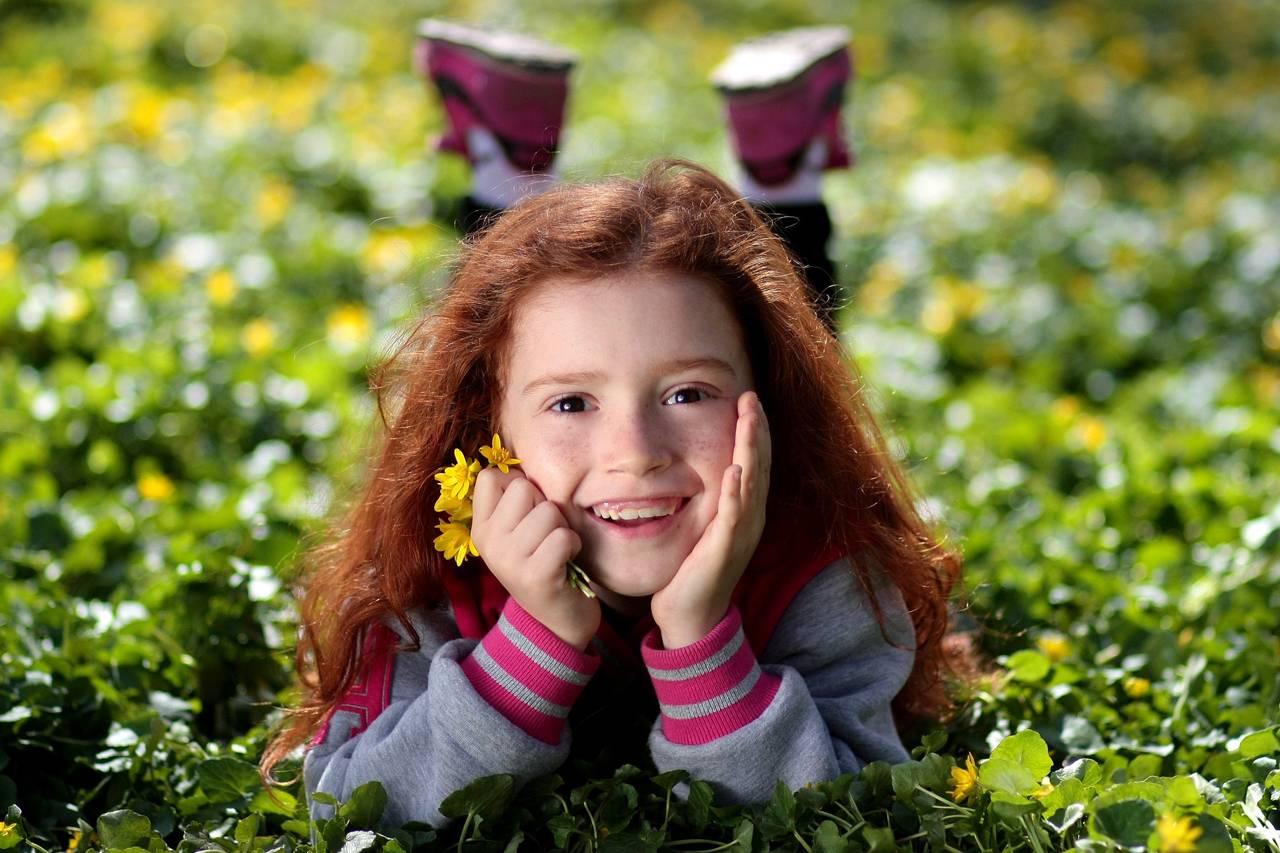 Girl Smiling Grass Flower 1280x853
