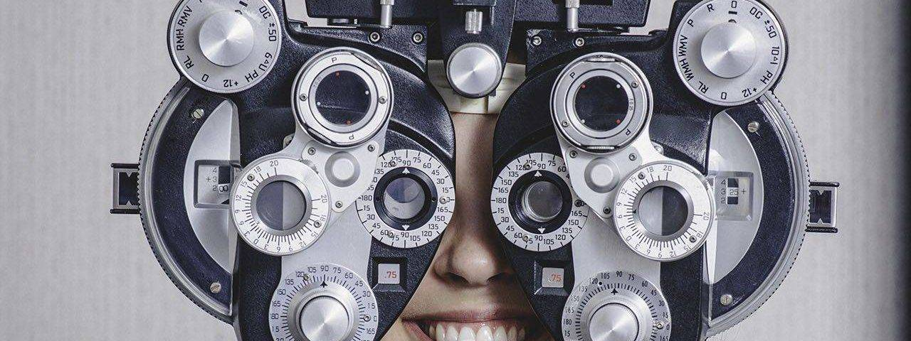girl_eye_exam2 bkground_sm 1280x480