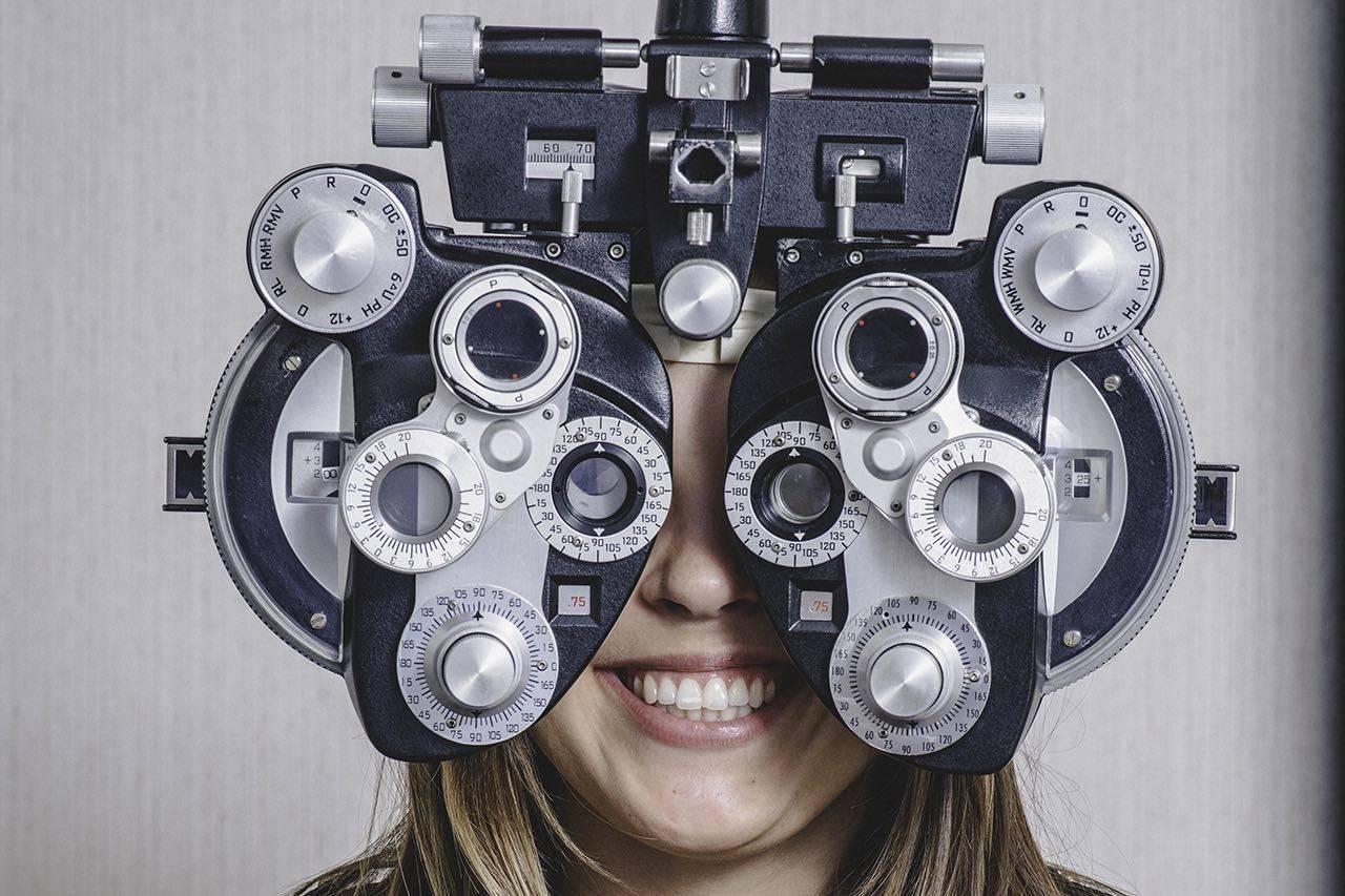 girl_eye_exam2 bkground_sm