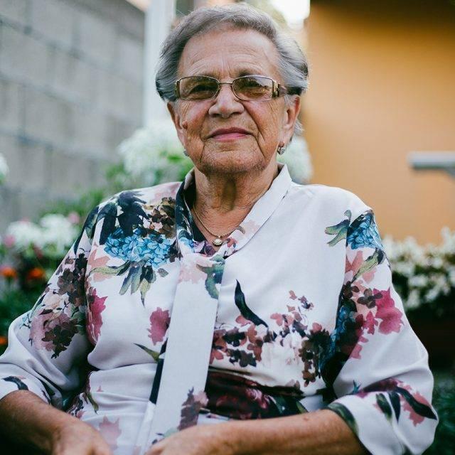 older_-woman_w_glasses-640x640