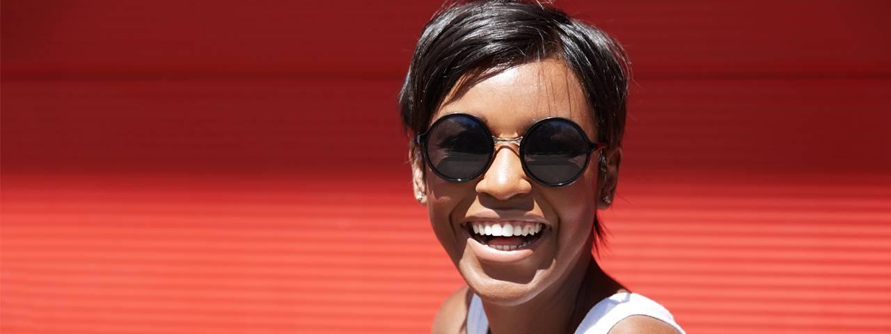 Sunglasses-AfricanAmerican-Lady1280x480