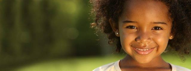 Cute Young Girl Smiling 1280x480 1 640x240