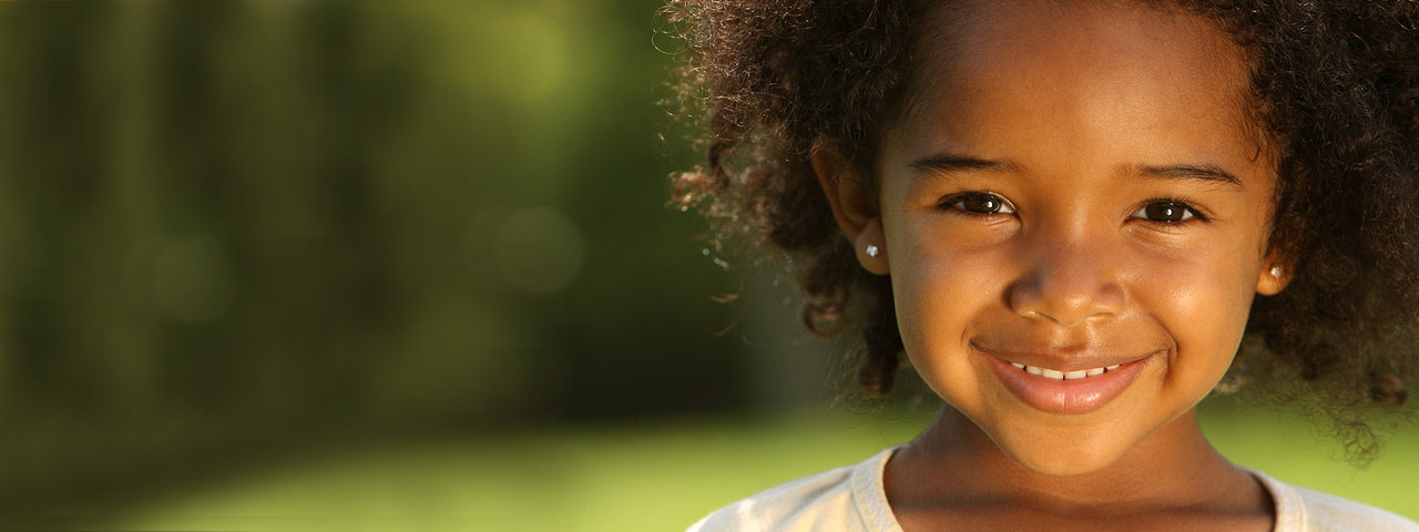 Cute Young Girl Smiling 1280x480 1