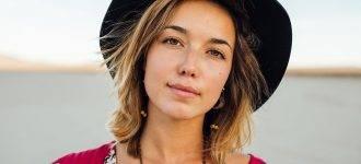 Woman Black Hat Beach 1280x480 330x150