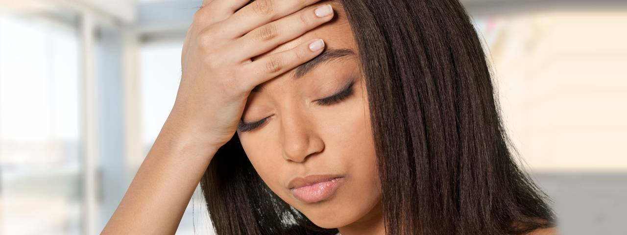 eye disorder headache african american woman 1280x480