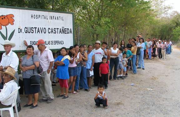 Patients-Waiting-in-Line-Zacapa-Guatemala
