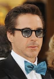 entertainers in eyewear