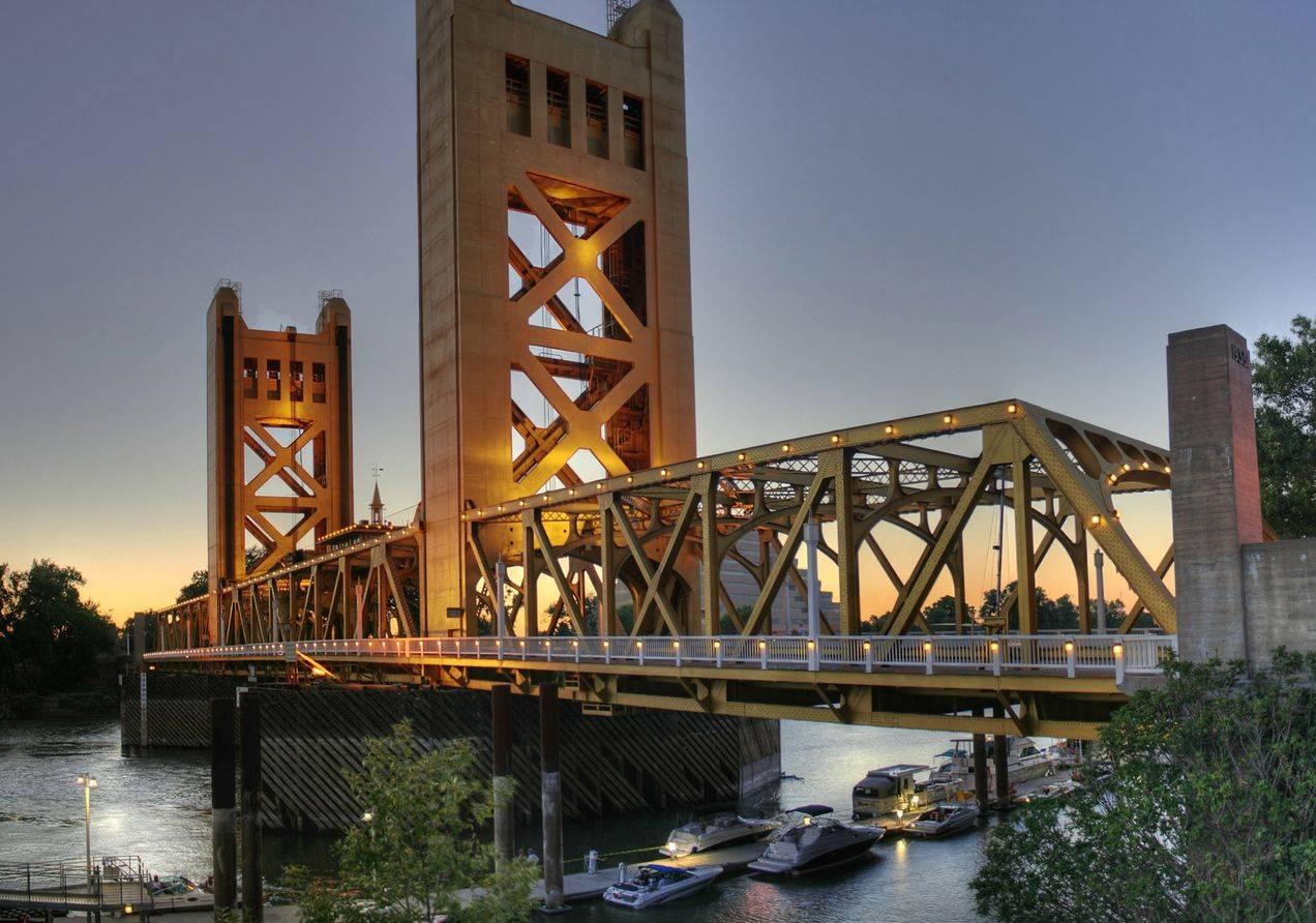 Tower-Bridge-SacramentoZ