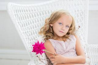 blonde girl pink flower small