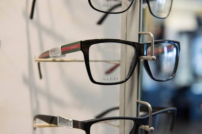 xglasses_display_gucci_closeupcropped