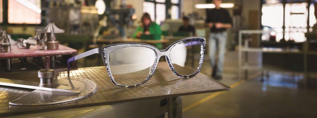 glasses-slide