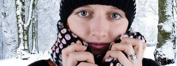 Woman Hat Scarf Snowy Trees 600x255