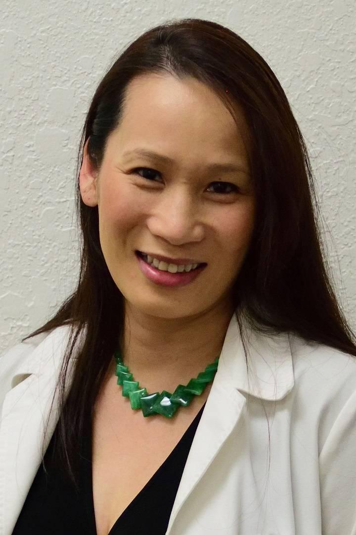 Dr-Alexandra-Ly-4x6