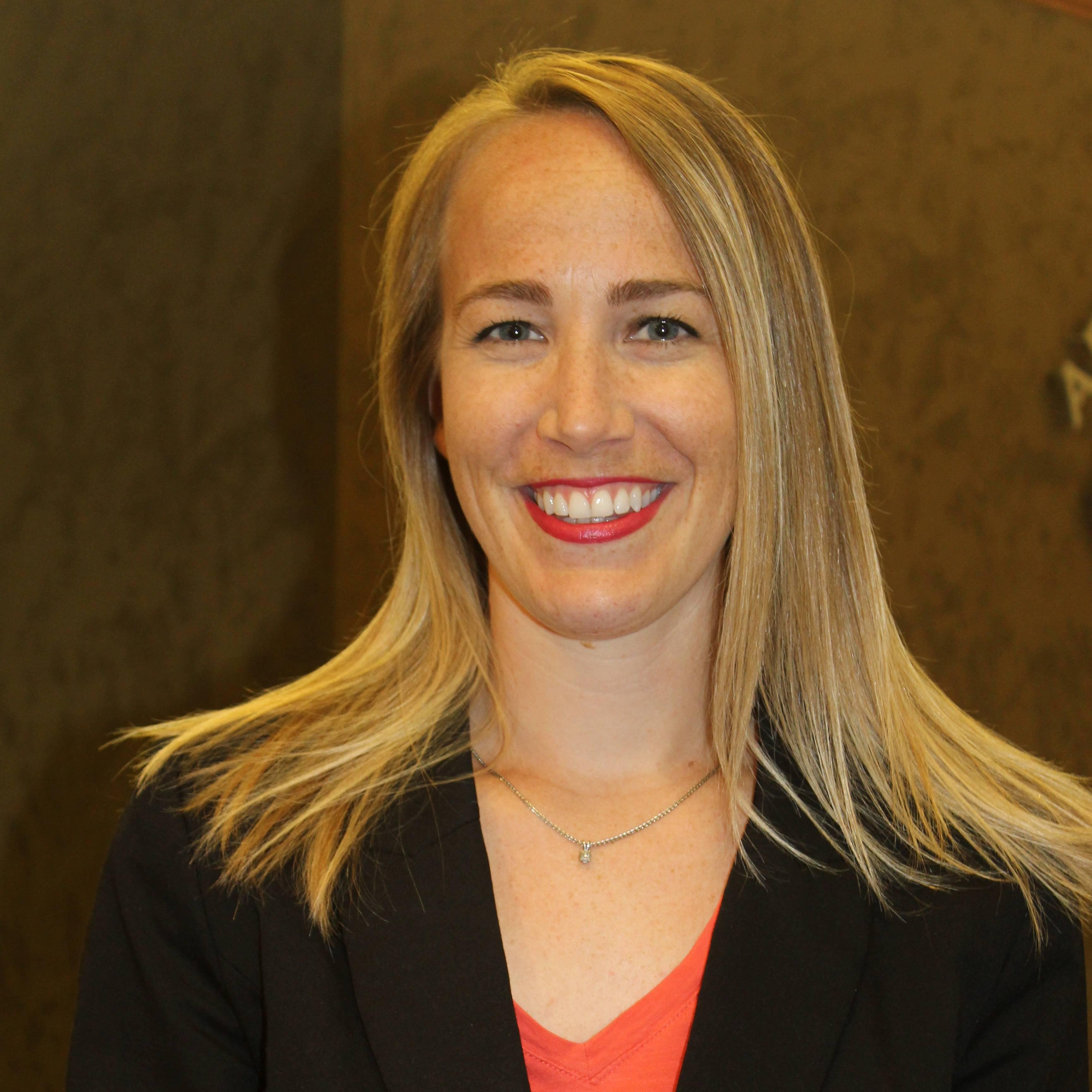 Dr-Lauren-Photo