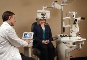 Auto Phoroptor eye exam east Orlando FL