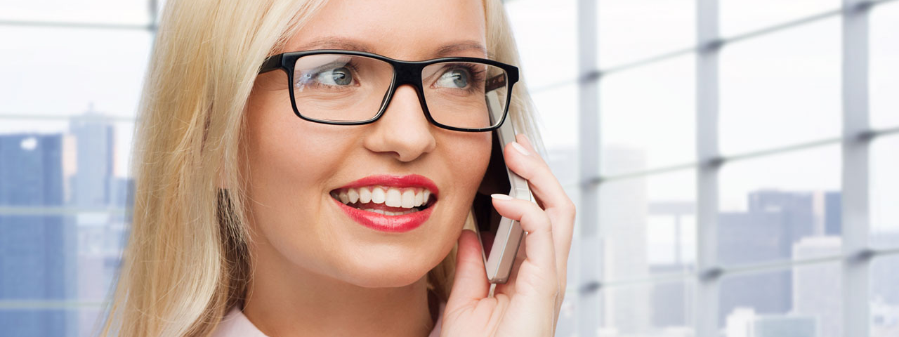glasses caucasian business woman smartphone 1280x480