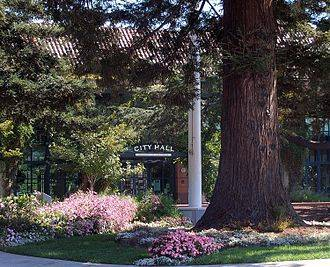 330px Redwood City City Hall
