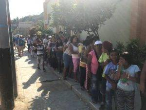 Patients in Peru waiting on line for free eye exams from volunteer eye doctors from Colorado Springs, CO