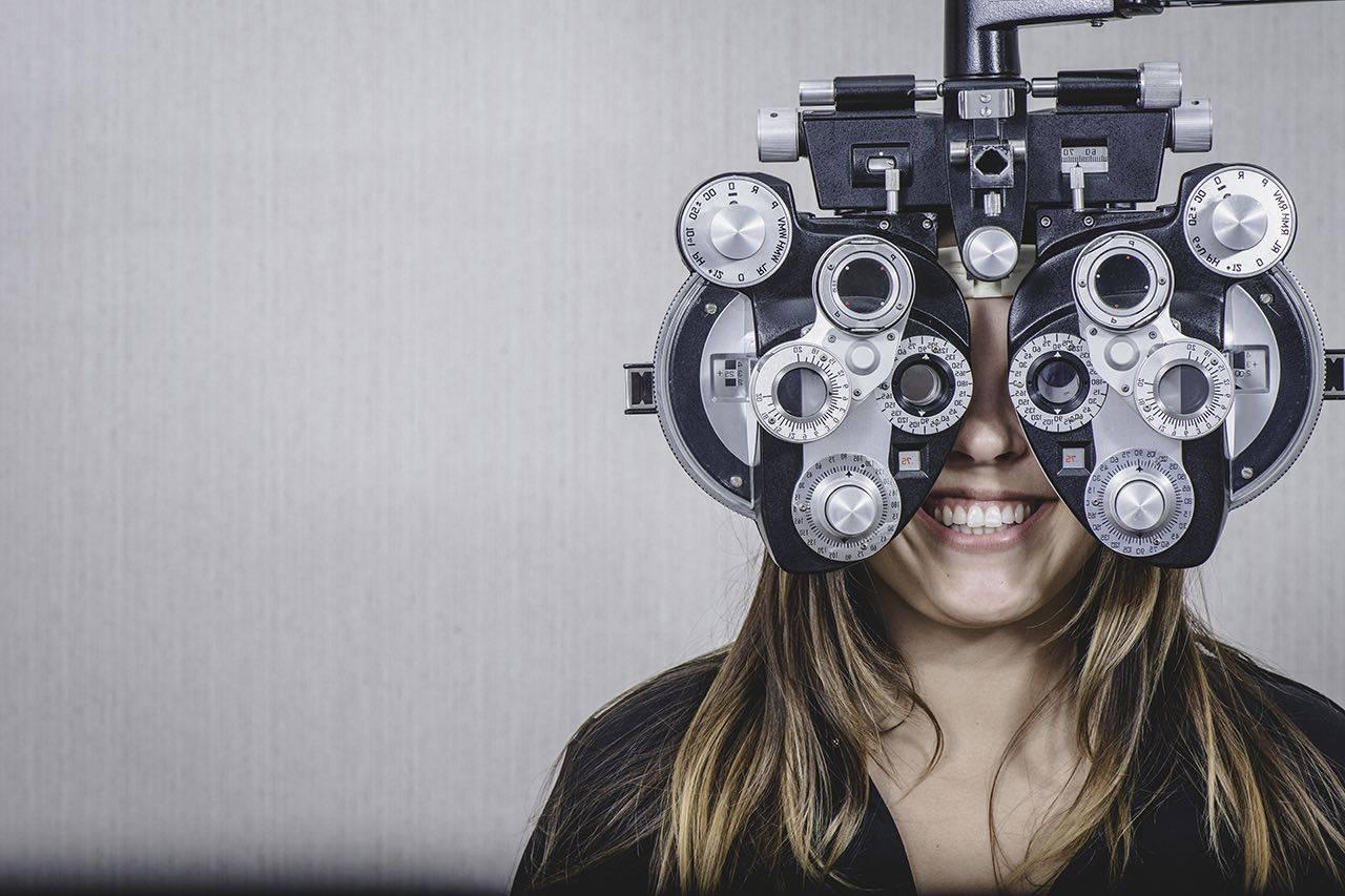 girl_eye_exam bkground_sm 1