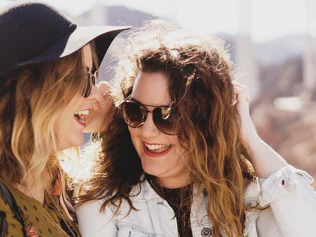 Girls Sunglasses Friends 1280 x 480