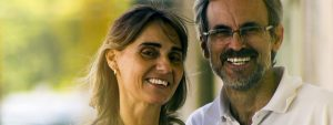 Happy Older Couple Glasses 1280×480