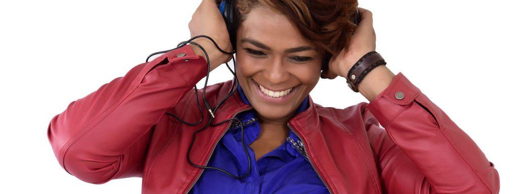 Happy Woman Headphones 1280×480