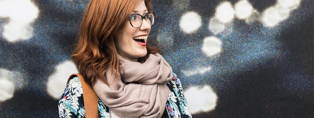 Woman Glasses Surprised 1280×480