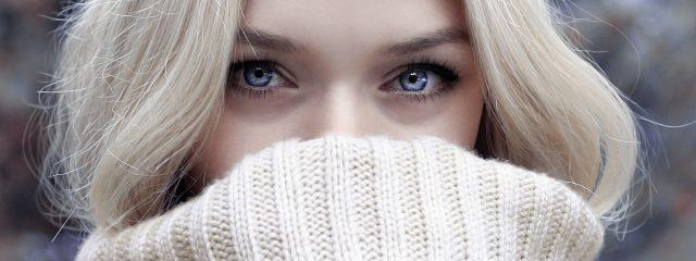 Woman Pretty Eyes Sweater 1280x480