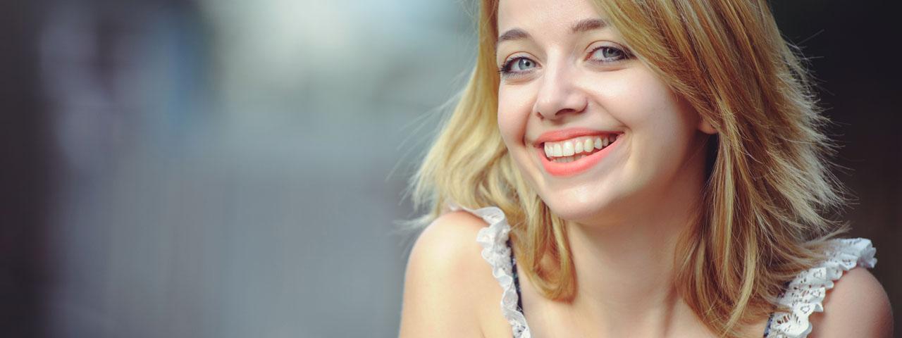 Woman-Smiling-1280x480