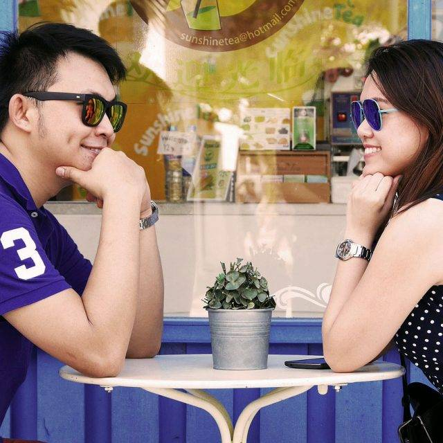Couple-Sunglasses-at-Cafe-1280x853-640x640