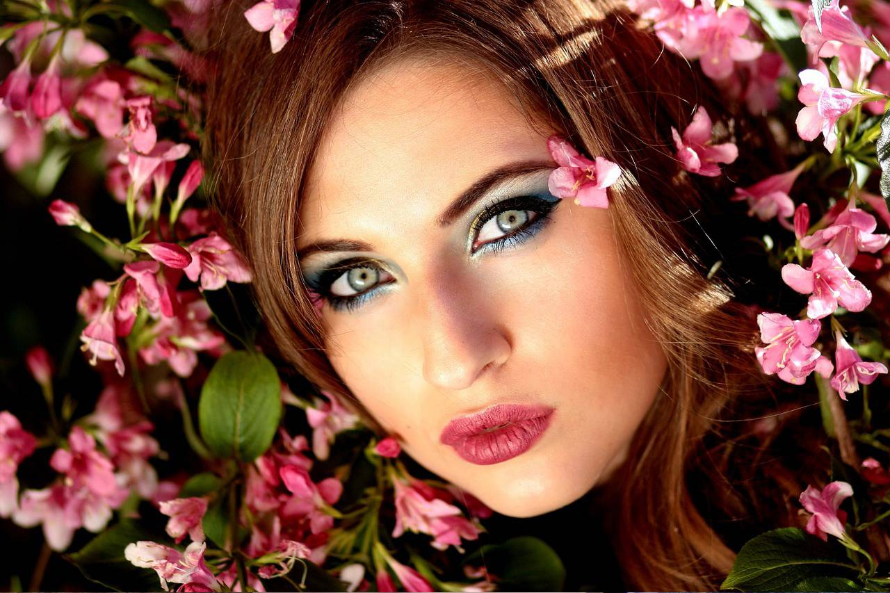 Female Pretty Eyes Flowers 1280x853