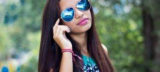 Girl Blue Tinted Sunglasses 1280x853 330x150