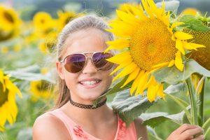 Girl Sunglasses Sunflower 1280x853