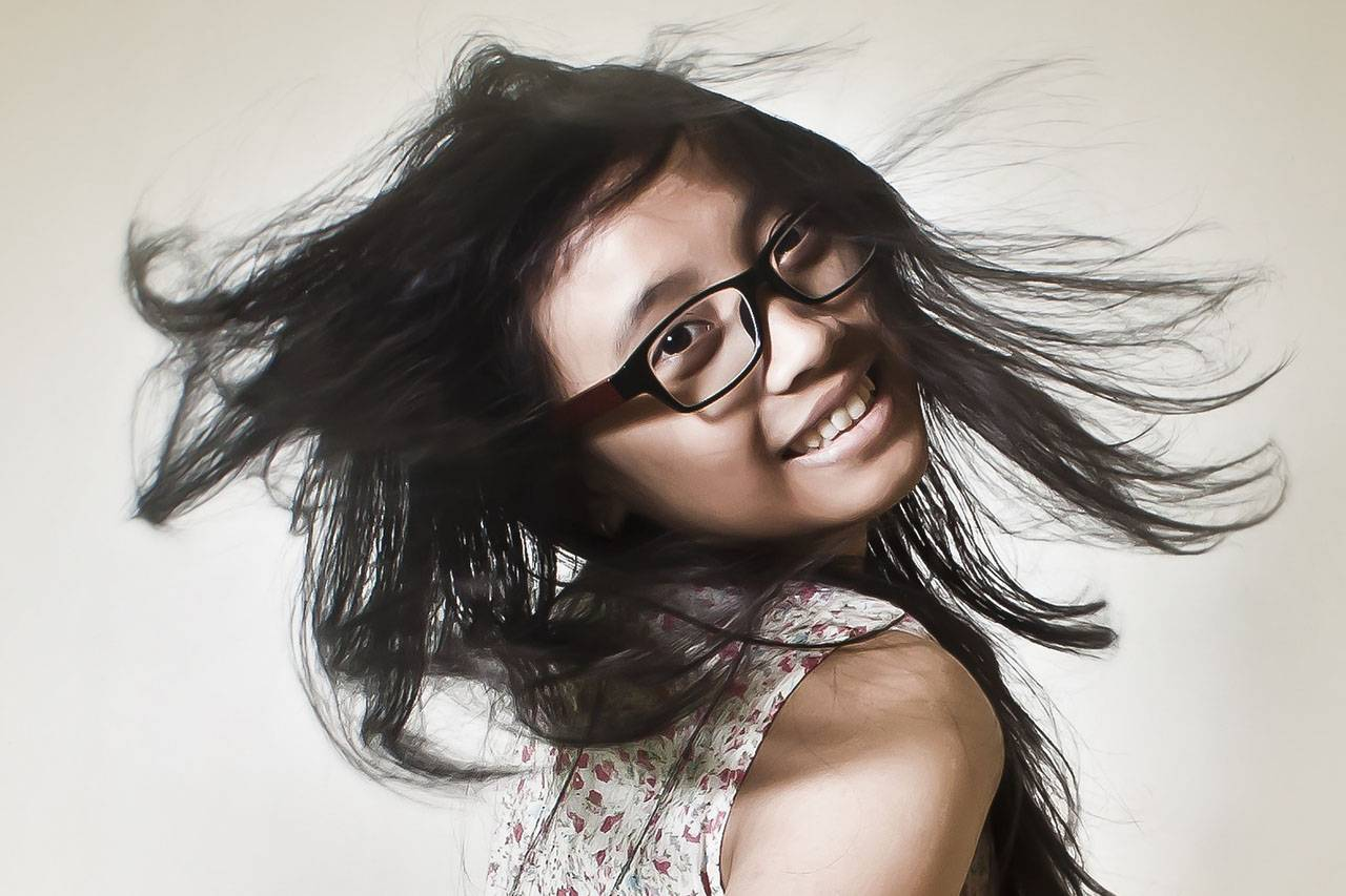 Happy Girl Flippig Hair Glasses 1280x853