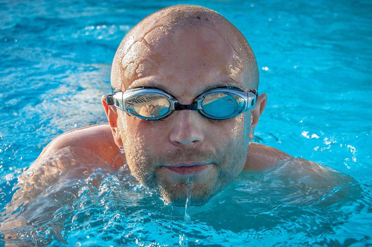 Sport swim goggles bkground sm