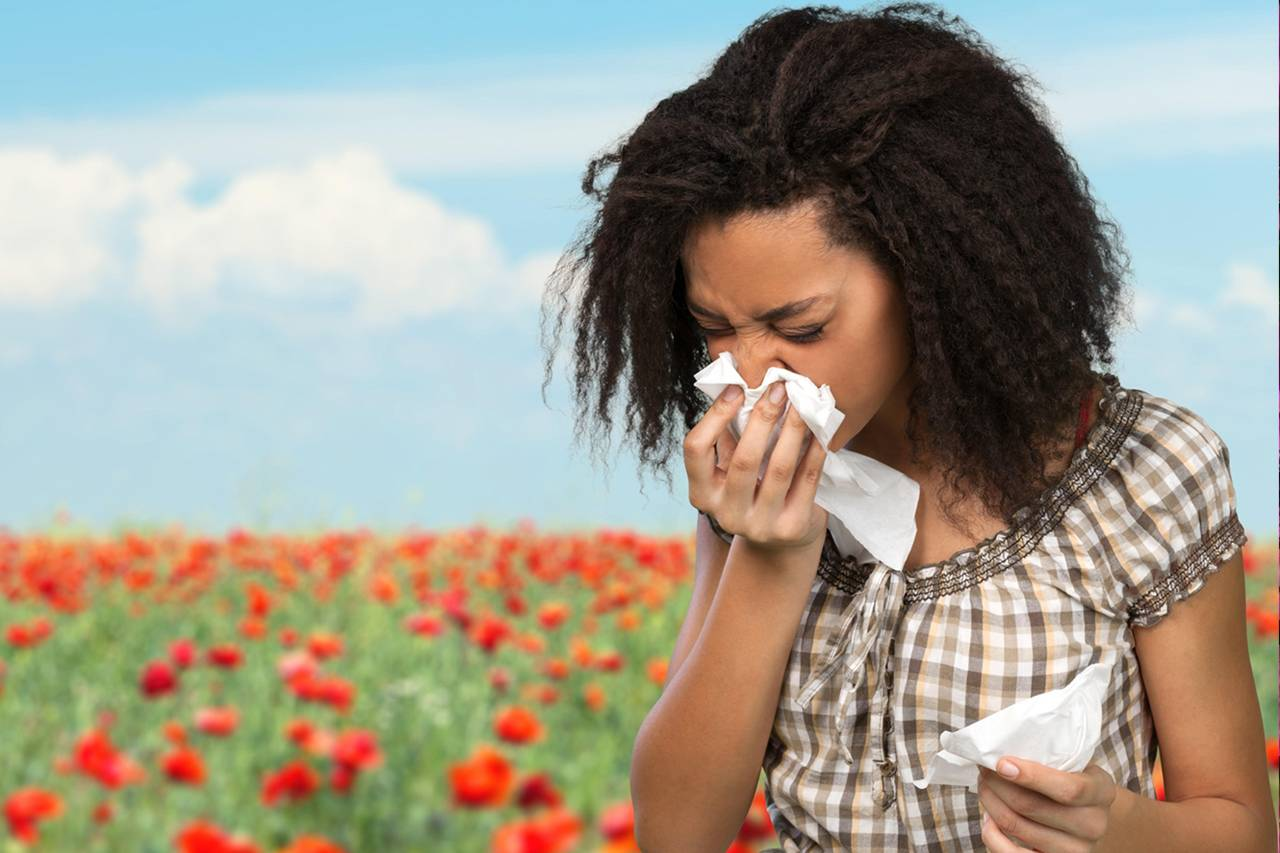 Woman Flowers Sneezing Allergies 1280x853