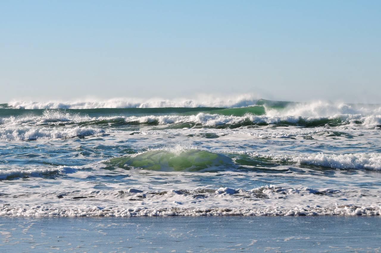 beach_waves-background