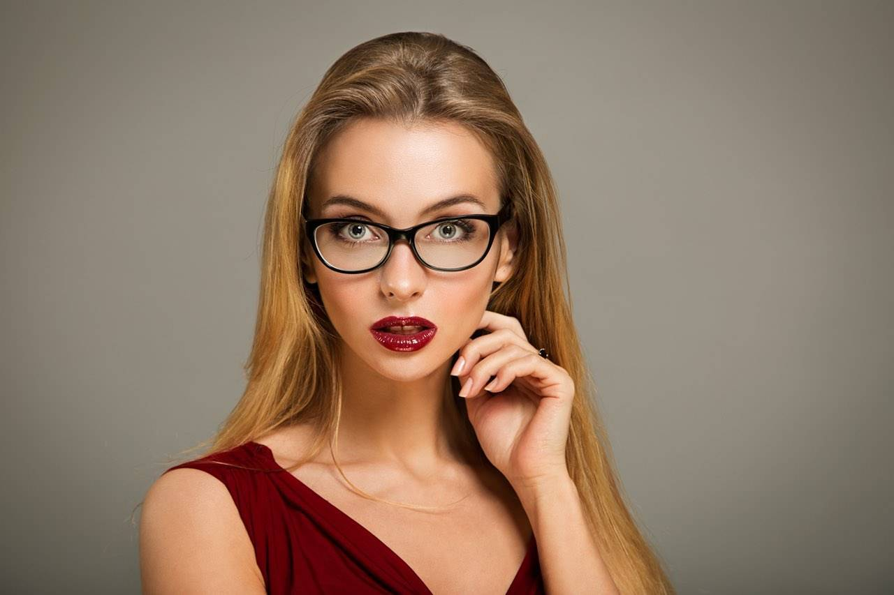 glasses glamour female surprised