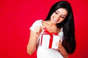 lifestyle gift red woman
