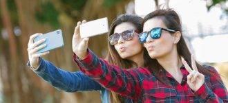 sunglasses teens selfie 330x150