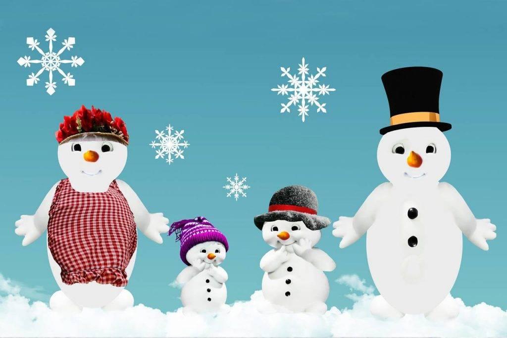 winter snowman family
