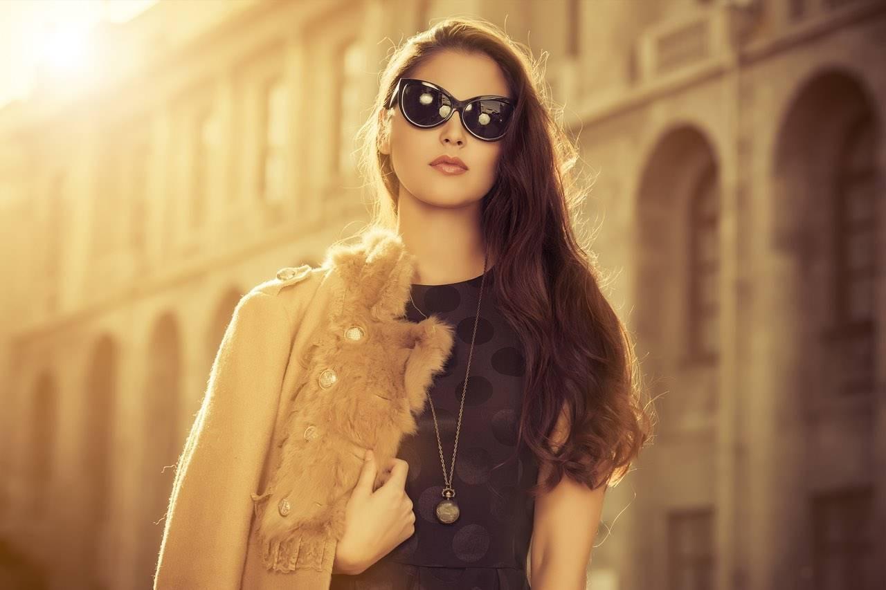 woman sunglasses rome