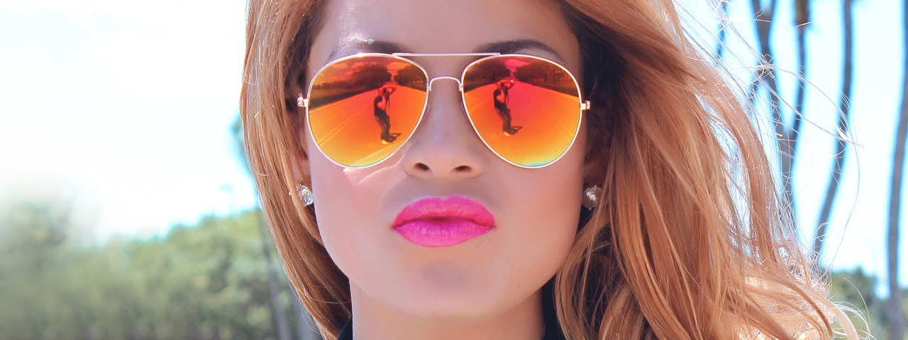 Female Sunglasses Reflection 1280x480 1