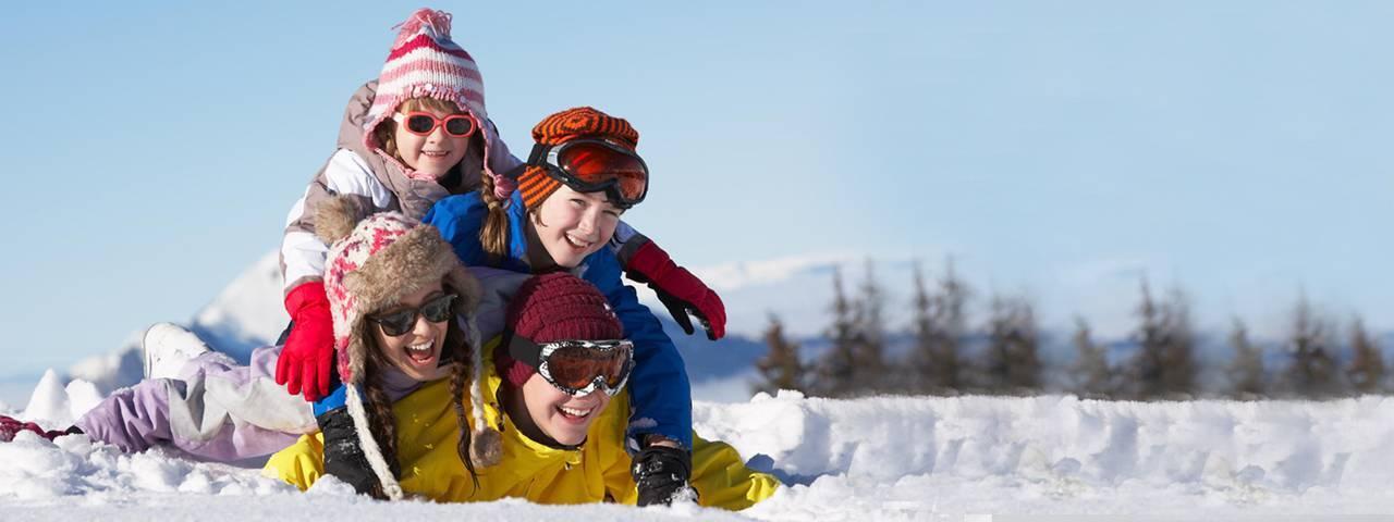 Family in the snow - eye doctor - Freelton, ON
