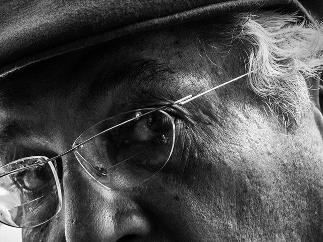 glasses senior man hat bw