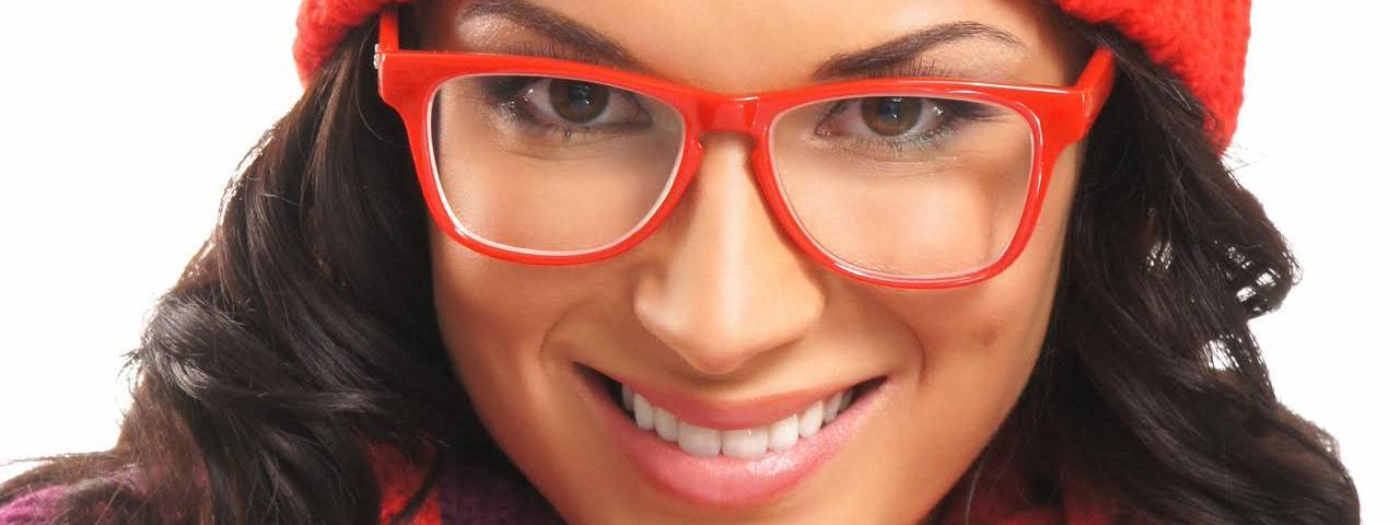red eyewear_1280x480 1