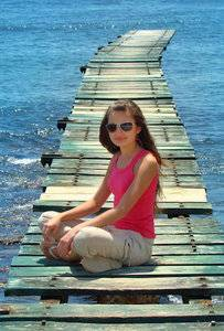 girl wearing sunglasses from regional eye center